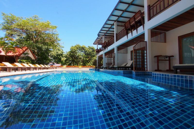 PADI Adventure Diver Course package with accommodation in Blue Diamond Resort Koh Tao